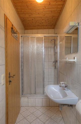 Lindleshof • Ferienwohnung Minze – Badezimmer