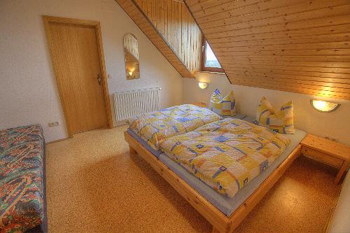 Lindleshof • Ferienwohnung Minze – Schlafzimmer