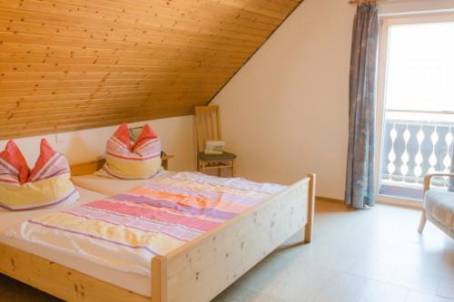 Elternschlafzimmer mit Doppelbett